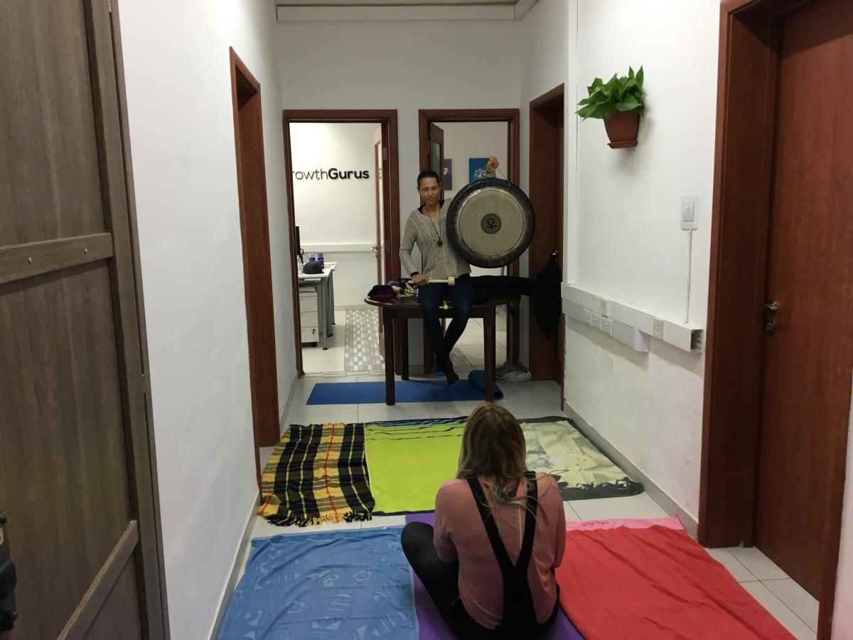 gong-meditation-jain-wells-growth-gurus-1